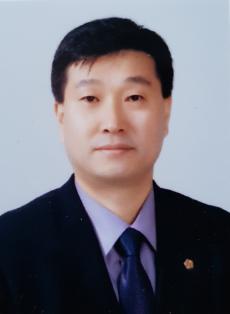 증명사진신분윤창훈.png
